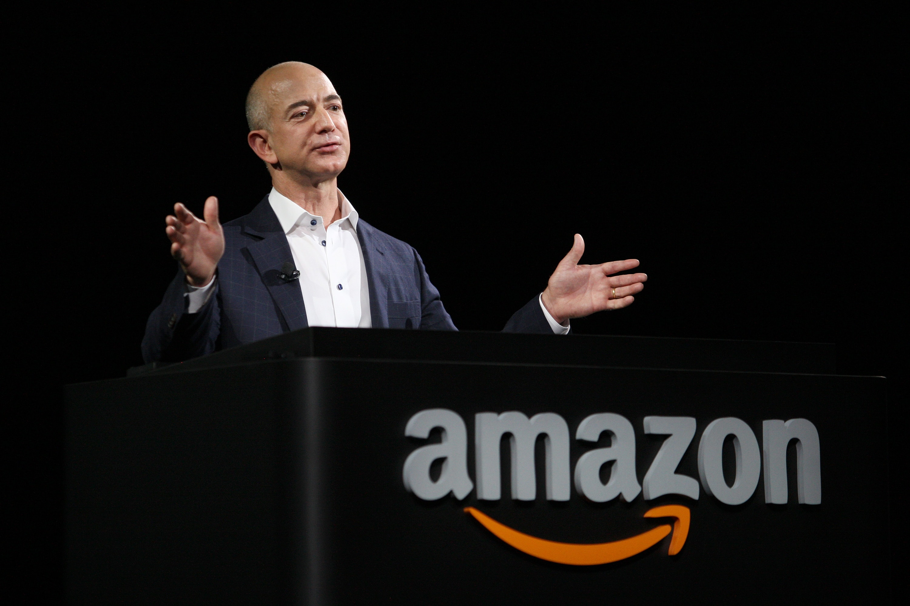 jeff bezos amazon coms founder Jeff bezos, the founder of the company, broke the rules of the book business by using the internet rather than conventional distribution channels amazoncom was founded by jeff bezos, a computer science and electrical.