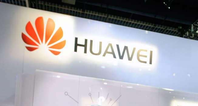 Huawei files patent for a smartphone with under-screen camera and five rear lenses