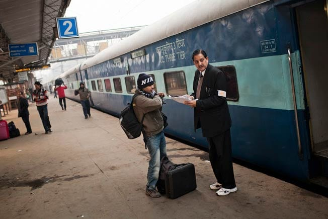 Railway Budget 2015: Mobile phone charging facilities in general class to be introduced