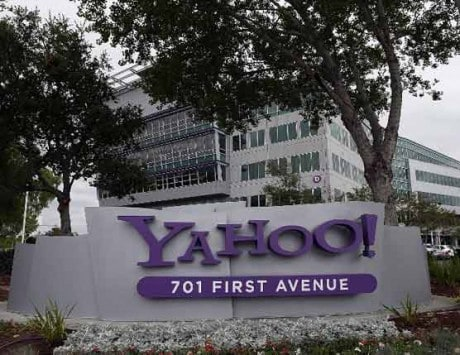 Is Yahoo buying Foursquare for $900 million?