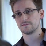 Snowden should be protected, says the inventor of the Internet
