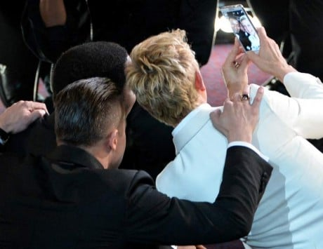 Oscars 2014: Nokia takes a dig at Samsung for the blurry selfies clicked at Oscars