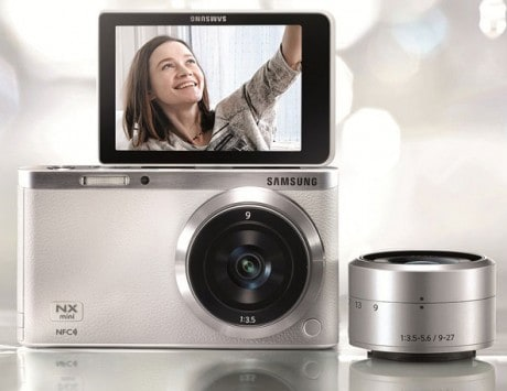 Samsung focuses on selfies with the NX mini Smart Camera