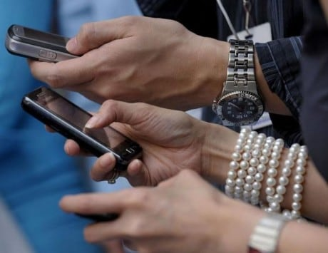 Commerce Minister plans mobile apps for benefit of stakeholders