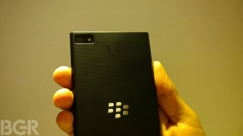 blackberry-z3-hands-on (10)