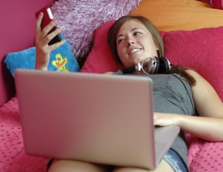 Parents can protect kids from cyber-bullying: Study