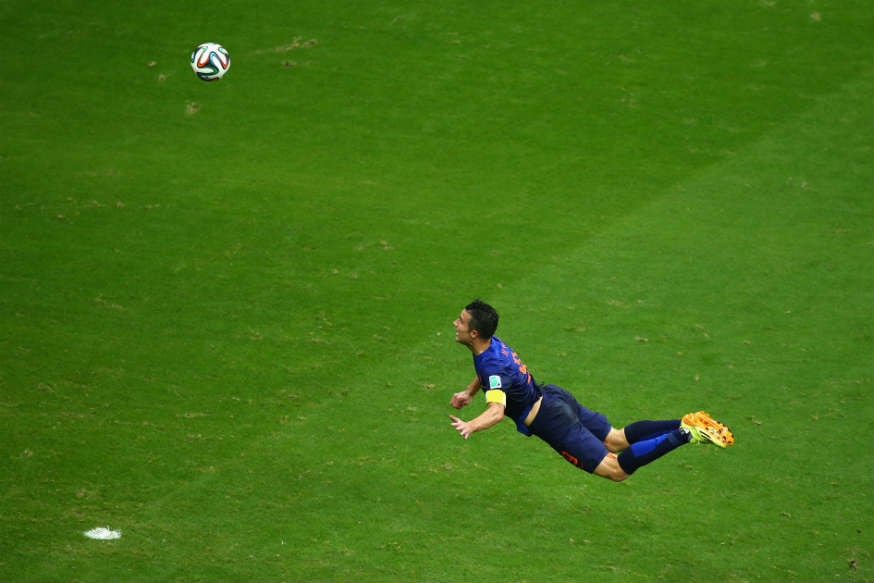 robin-van-persie-flying-header-goal