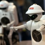 Robots learn better with online assistance