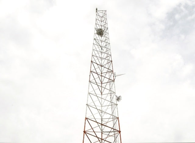 Gradual Improvement In Tele  Services In Flood Hit Kashmir on tower radio network