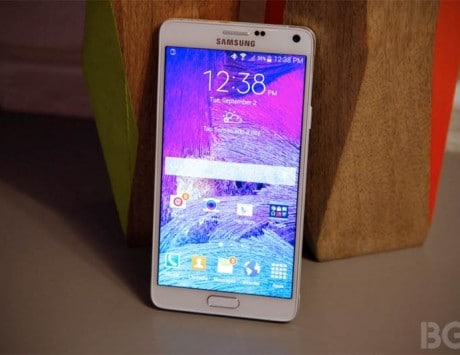 Samsung Galaxy Note 4 hands-on: Does Apple's iPhone 6 phablet stand a chance?