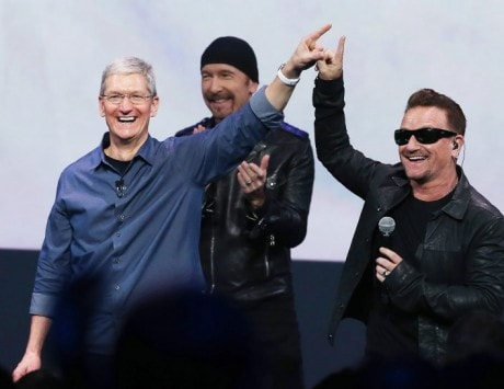 "81 million Apple users ""experienced"" free U2 album, but only 26 million downloaded it"