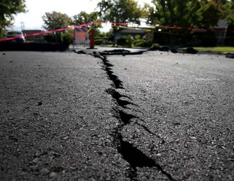 Smartphones will soon be able to warn you of earthquake: Study