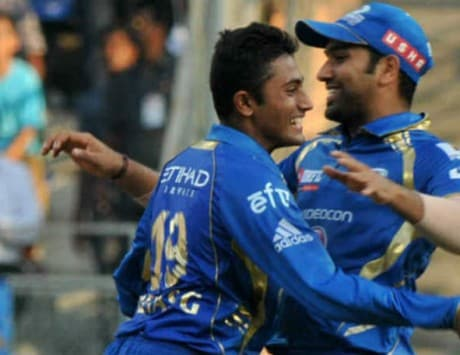Watch Mumbai Indians vs Chennai Super Kings live streaming; mobile apps to check live score of IPL 2015