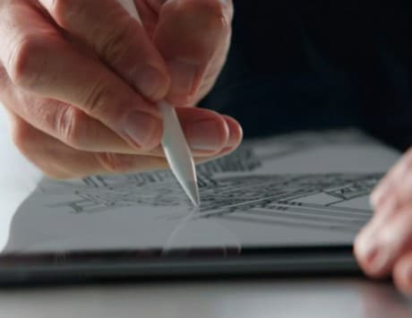 Apple Pencil could soon work with iPhones to take on Samsung Galaxy Note 8: Report