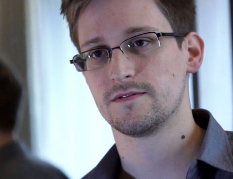 Edward Snowden working on a device that protects smartphones from spies: Report