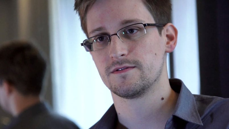 Tribune journalist deserves an award, not investigation: Edward Snowden