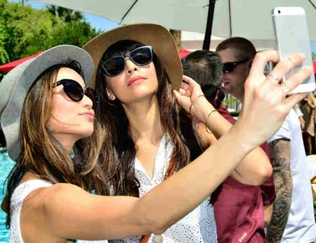 More humans killed due to selfie mishaps than shark attacks: Report