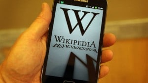 Wikipedia bots behave just like humans: Study