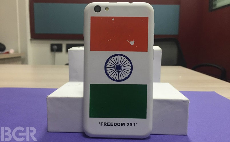 freedom-251-hands-on-4