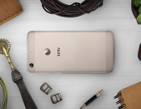 Get set to win surprise gifts and cashback offers on the LeEco Day