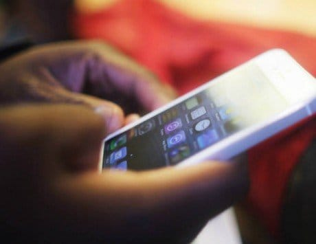 'Good Morning' messages eating up smartphone space in India: Report