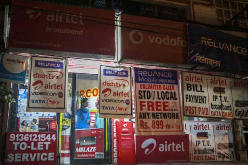 India had over 946 million mobile subscribers at the end of September: COAI