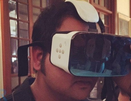 It feels so cool to live in the age of augmented reality and virtual reality