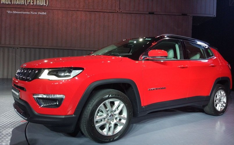 jeep compass launched in india priced at rs lakh a look at the technology inside bgr india. Black Bedroom Furniture Sets. Home Design Ideas
