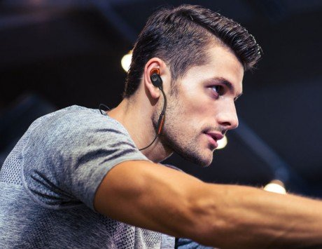 Motorola Verve Loop Bluetooth headphones with IP54 certification launched, priced at Rs 2,499