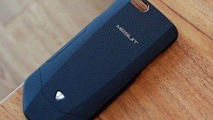 This smart case brings Android on your iPhone