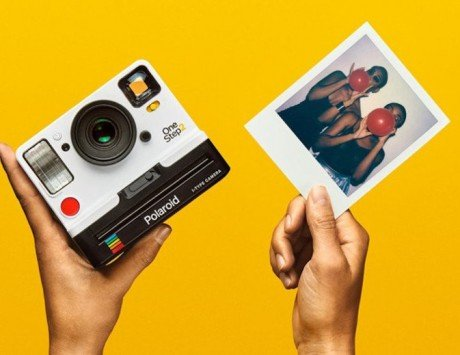 Polaroid OneStep 2 brings back the pure analog experience