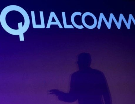 Qualcomm and Broadcom to meet on Valentine's Day