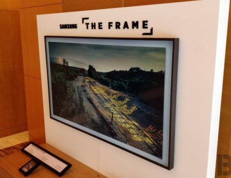 Flipkart Republic Day Sale: Samsung 'The Frame' QLED smart TV offer