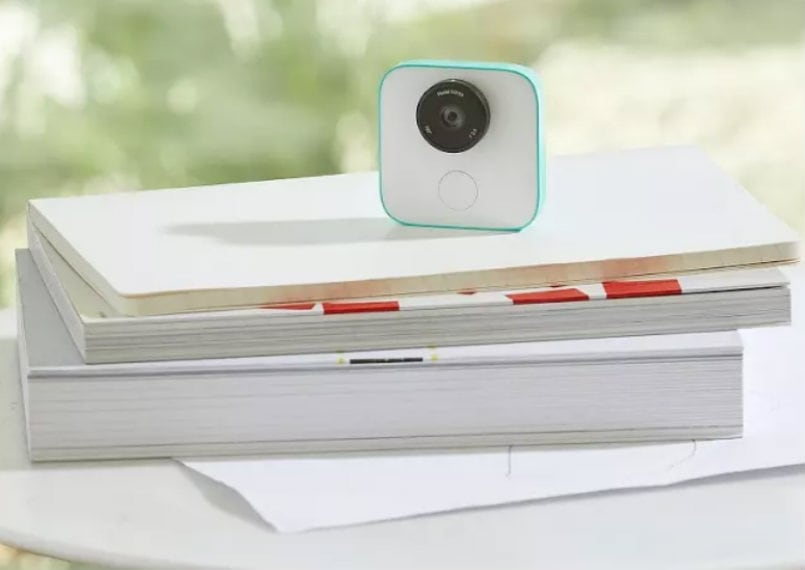 Google Clips with AI-powered portable camera now available to order in the US