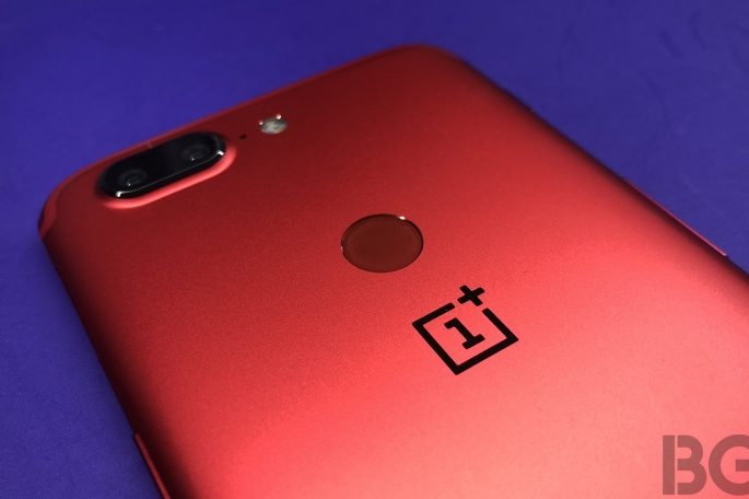 OnePlus 5T Lava Red Edition in Pictures
