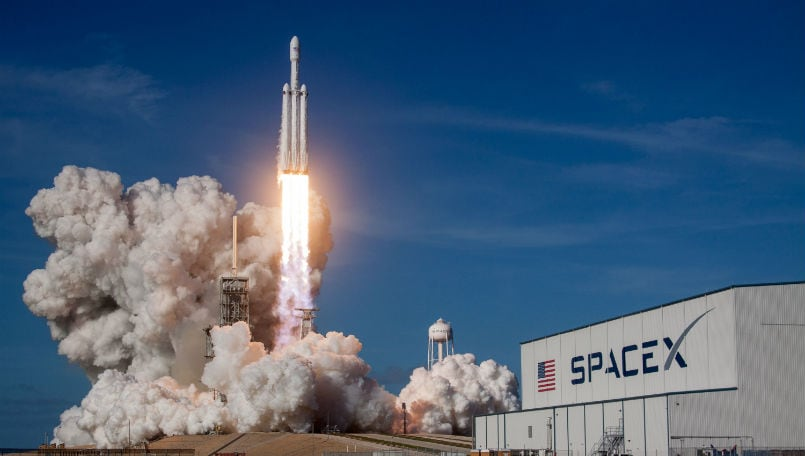 SpaceX Falcon Heavy feat