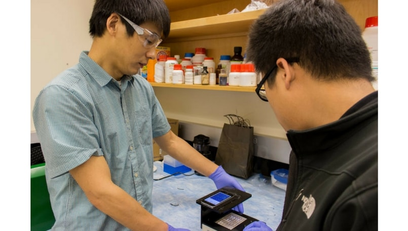 Researchers build portable smartphone lab for faster detection of infections