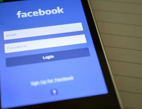 Facebook opposes Australian media firms calling for regulation