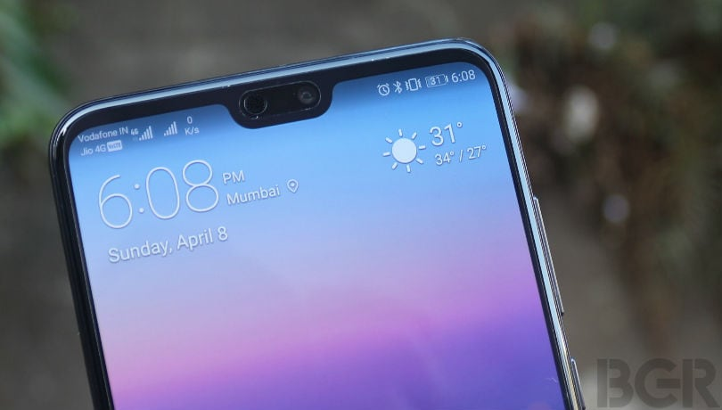 Huawei reportedly wants to replace the display notch with a display hole for the front camera