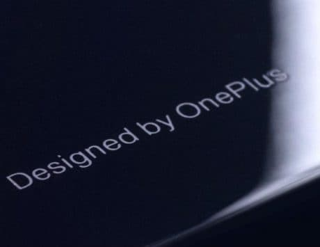 OnePlus 6 glass back officially teased, company to give out device to select users before the official launch