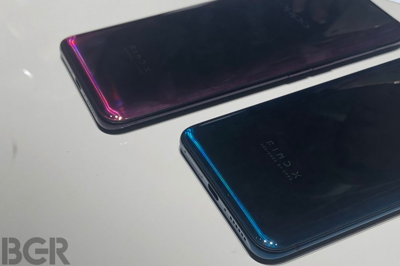770200e99e4 ... Galaxy Note 8, Apple iPhone X, iPhone 8, and OnePlus 6 among others.  The Oppo Find X follows the suit, and features a metal frame sandwiched  between ...