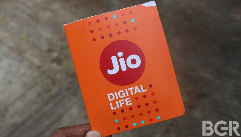 Reliance Jio's 4G download speeds down in April: TRAI