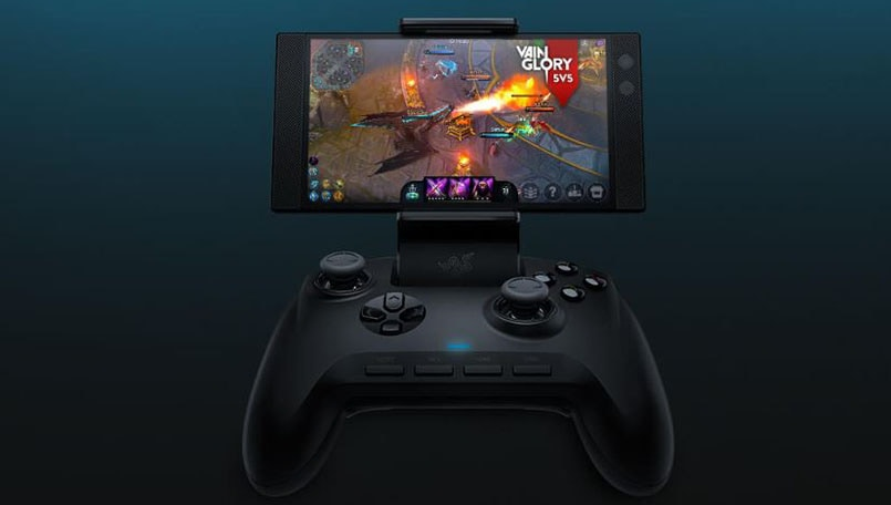 The new Razer Raiju Mobile gaming controller works with Android phones