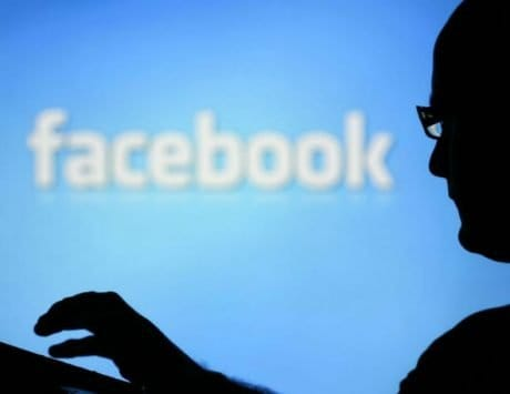 Facebook to verify users with viral posts