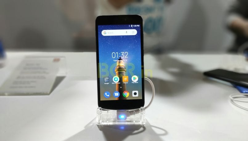 Xiaomi Redmi Go might survive accidental waterdrop, reveals a new test