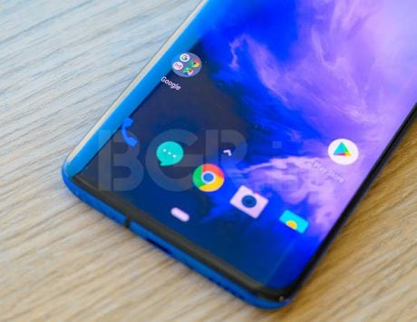 OnePlus 7 Pro receives its first software update
