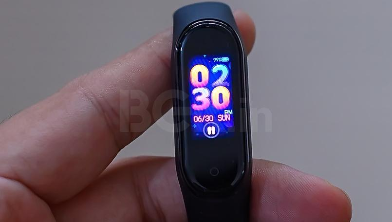 Xiaomi Mi Band 4 sale in India again today via Amazon.in, Mi.com at 1PM: Check price, features