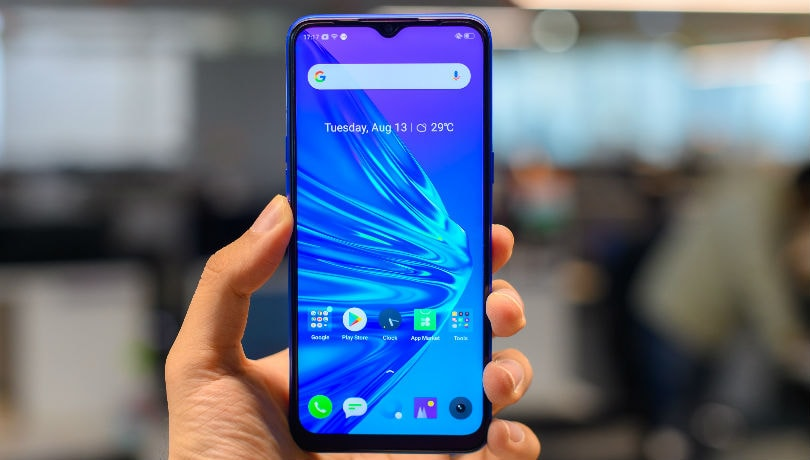 realme 5 review front waterdrop notch