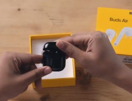 Realme Buds Air design, gesture controls and seamless connection revealed in teaser video