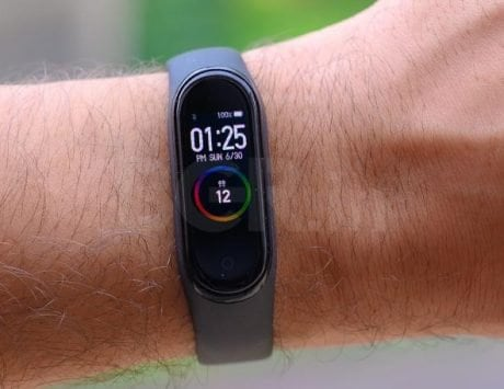 Xiaomi Mi Band 5 live photos reveal design